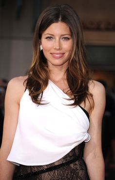 Jessica Biel -I would love to do her makeup thank you !