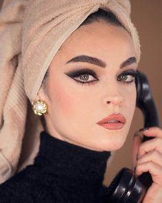 Sophia Loren Cat eye make-up look, Maquiagem Sophia Loren Makeup Goals, Makeup Inspo, Makeup Art, Makeup Inspiration, Makeup Tips, Hair Makeup, Makeup Ideas, Movie Makeup, Dead Makeup
