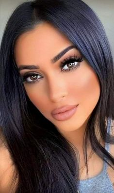 Stunning Makeup, Stunning Eyes, Beautiful Person, Most Beautiful Women, Blonde Beauty, Hair Beauty, Day Makeup Looks, Brown Eyed Girls, Unique Faces