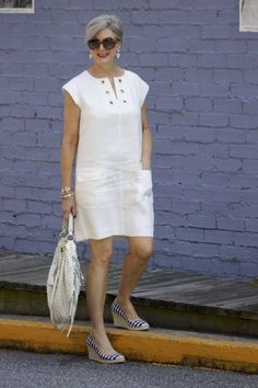Moda e estilo em qualquer idade - Viva 50 por Maria Celia e Virginia Pinheiro Source by ingridturrek outfits casual Outfits Casual, Fall Outfits, Casual Dresses, Fashion Outfits, Summer Dresses, Denim Fashion, Summer Outfits, Over 50 Womens Fashion, Fashion Over 50