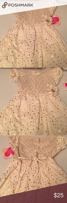 Girls dress Lovely dress for a dressy  affair new with tags size 6x gold and beige ties in back Youngland Dresses Formal