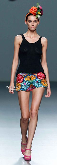 Merche Correa Spring I don't even know why I like this so much. Only Fashion, High Fashion, Couture Fashion, Runway Fashion, Coast Fashion, Hot Pants, Colorful Fashion, African Fashion, Summer Outfits