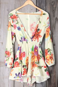 Funny rompers are like fruit-let your eyes choose the most attractive, prettiest hue and it will be the sweetest one. Catch your fashion with its Floral printing & Plunging neckline design. It's a must-have for summer time.