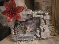 vintage inspired christmas shadow box IT'S A WONDERFUL LIFE lights up Old Time Christmas, All Things Christmas, Vintage Christmas, Retro Christmas Decorations, Christmas Ornaments, Christmas Shadow Boxes, Altered Tins, Christmas Background, Christmas Projects