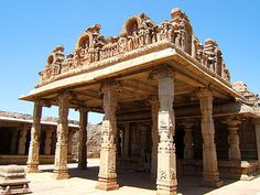 Large Travel Photos of Hampi landscapes and UNESCO Heritage temples in Karnataka state, India with compact information Indian Temple, Hampi, Place Of Worship, Karnataka, Incredible India, Amazing Architecture, Nepal, Egypt, Tourism