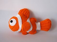 Almost Alice - DIY & Craft tutorials: How to: Nemo plushie + template!