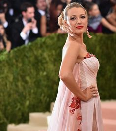 Pin for Later: Blake Lively Shows Up at the Met Gala Looking Like Some Kind of Spring Goddess