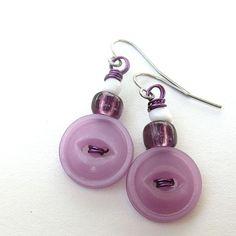 Vintage Button Earrings @buttonsoupjewelry $7  #looksgoodonya