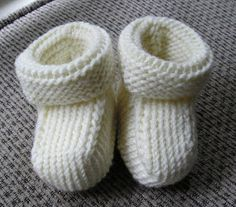 Expecting knitbloggers and experienced baby knitters share their projects.