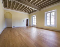 Finely renovated apartment in the historic center of Como Italy – Luxury Home For Sale