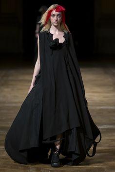Yohji Yamamoto Spring 2016 Ready-to-Wear Collection Photos - Vogue