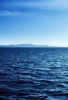 """Ο ωκεανός, """"τι είμαι"""" και ο φόβος του θανάτου"""