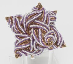 Chelsea's cube - A twisted star tetrahedrom - Bead&Button Magazine Community - Forums, Blogs, and Photo Galleries
