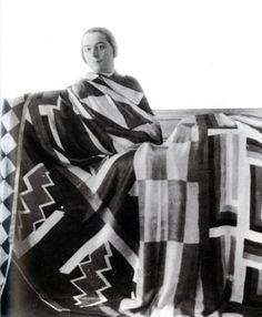 paris/berlin — Sonia Delaunay with scarves she designed, Sonia Delaunay, Robert Delaunay, Art Bauhaus, Bauhaus Textiles, Wonder Woman Quotes, Nathalie Du Pasquier, Art Deco, Ukraine, Scarf Design
