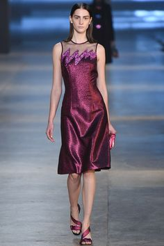 Christopher Kane Fall 2015 Ready-to-Wear #32