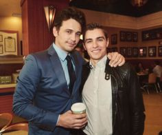 James Franco and Dave Franco Ryan Gosling, James And Dave Franco, James 3, Attractive Male Actors, Franco Brothers, Famous Twins, Celebrity Siblings, Hottest Guy Ever, Love People