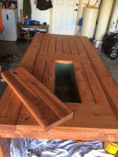 Outside table with built in cooler Do It Yourself Home Projects from Ana White Outdoor Wood Table, Deck Table, Diy Outdoor Furniture, Pallet Furniture, Home Furniture, Rustic Patio, Wooden Garden Table, Diy Picnic Table, Patio Tables