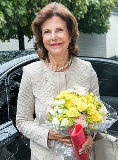 On August 29, 2016, Queen Silvia of Sweden visited the training center of Silviahemmet Foundation in Stockholm. The Queen attended the start of training for Silvia Nurses. Silviahemmet is a non profit foundation devoted to improving the quality of life for persons affected by dementia and their families. Silviahemmet also runs a daycare center at Drottningholm  for elderly as well as young persons affected by dementia.