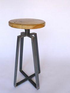 tabouret de bar en bois ronde simple design Bar Original, Industrial Decorating, Bento, Industrial Style, Bar Stools, Diy And Crafts, Bookcase, Sofa, Cool Stuff