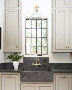 modern farmhouse kitchen design, neutral kitchen decor, kitchen makeover ideas wiht white quartz counters