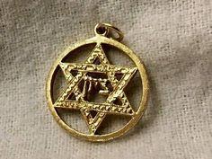 SALE...Vintage Pendant  14K Yellow Gold Star  Of  David    Round Medallion Shape