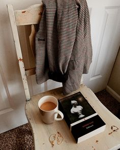 Middlemarch and blazers via ig Beige Aesthetic, Book Aesthetic, Good Books, My Books, What Book, Coffee And Books, Books For Teens, Dark Photography, Study Motivation
