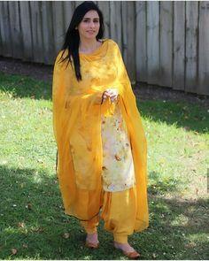Trending fashion of 2020 Punjabi Salwar Suits, Patiala Salwar, Punjabi Suits Party Wear, Anarkali, Indian Designer Suits, Designer Kurtis, Punjabi Suits Designer Boutique, Designer Sarees, Salwar Designs