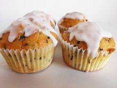 Lemon Poppy Seed Muffins with Lemon Glaze | www.pinkrecipebox.com