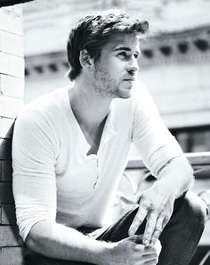 LIAM HEMSWORTH- 1 of the first pics I ever saw of him. I knew at that moment that Chris would have to share me.