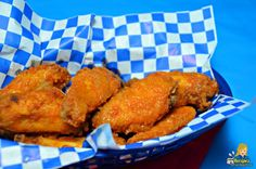 These Crispy Fried Buffalo Chicken Wings with Garlic Hot Sauce are super crispy and tasty. Everyone will think you picked them up from a restaurant. Baked Honey Garlic Chicken, Best Fried Chicken Recipe, Fried Chicken Wings, Easy Baked Chicken, Chicken Wing Recipes, Chicken Loaf, Buffalo Chicken, Tandoori Chicken, The Best