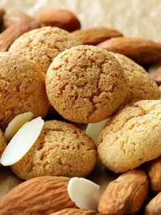 Macarons aux amandes (petits fours) : Recette de Macarons aux amandes (petits fours) - Marmiton