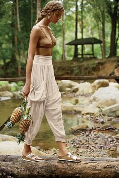 womens fashion outfits looks stunning. Boho Outfits, Cute Outfits, Fashion Outfits, Fashion Tips, Womens Fashion, Cute Hippie Outfits, Fashion Websites, Earthy Outfits, Cheap Fashion