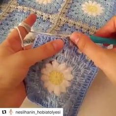 Crochet lesson series - her hand motions are mesmerizing. Knife hold looks so much more comfortable than pencil but I struggle to train my hands to do it Point Granny Au Crochet, Granny Square Crochet Pattern, Crochet Squares, Crochet Blanket Patterns, Knitting Patterns, Crochet Quilt, Crochet Motif, Crochet Flowers, Free Crochet