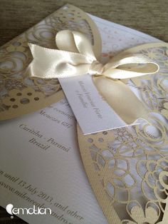 Convite com envelope corte a laser by Emotion | Laser cut invitation