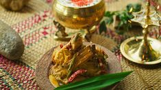 An excellent chicken curry from the Cinnamon Club Restaurant, authentically flavoured with fragrant fresh spices Chicken Recipe Book, Chicken Recipes, Chicken Tikka, Chicken Curry, A Food, Good Food, Food And Drink, Coconut Sauce, Yum Yum Chicken