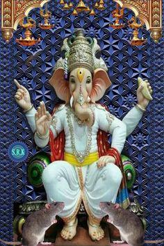Kali Hindu, Shree Ganesh, Gif Pictures, Lord Ganesha, Indian Gods, Princess Zelda, Christmas Ornaments, Holiday Decor, Fictional Characters