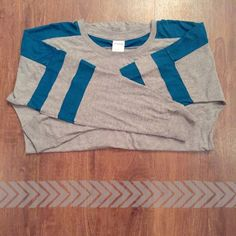 ❣Price Drop❣PINK Varsity Gray and Teal Long Sleeve So comfortable! Sized Small! 60% cotton 40% polyester 27 inches length 19.5 width under arms Need any other information? Measurements? Materials? Feel free to ask! Don't be shy, I always welcome reasonable offers! Fast shipping! Same or next day! Sorry, no trades!   Happy Poshing!☺️ PINK Victoria's Secret Tops Tees - Long Sleeve