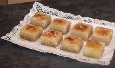 """El Forner de Alella prepara unos deliciosos Pastelitos individuales remojados con Almíbar y con Yema Quemada por encima, los Bizcochos Borrachos con Yema Quemada. Si os gusta este vídeo no olvidéis clicar """"me gusta"""" y compartirlo, nos ayudaréis."""