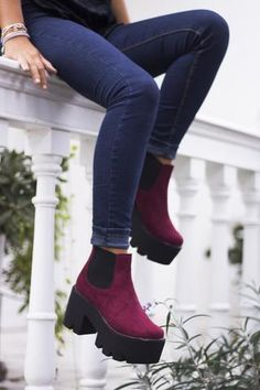 59 Ankle Boots To Inspire Every Woman - New Shoes Styles & Design Pretty Shoes, Beautiful Shoes, Cute Shoes, Me Too Shoes, Ankle Boots, Heeled Boots, Shoe Boots, Sock Shoes, Women's Shoes