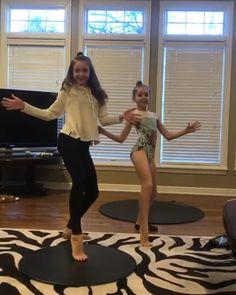 Everyday through folks participate in ballroom party -worldwide. Ballet Gif, Ballet Dancers, Cool Dance, Just Dance, Dance Moms, Amazing Gymnastics, Gymnastics Videos, Portable Dance Floor, Flexibility Dance
