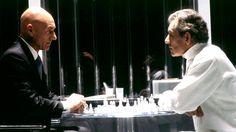 Patrick Stewart (Professor Xavier) and Ian McKellen (Magneto), 'enjoy' a chess match, from an X-Men franchise movie Patrick Stewart, Man Movies, Movie Tv, Movie Plot Holes, Sir Ian Mckellen, Superman, Batman, Bryan Singer, How To Play Chess