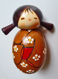 Kokeshi Wooden Dolls from Japan. I love these dolls, made of wood and so adorable.