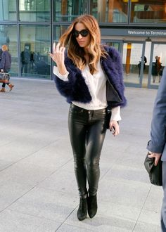 Kate Beckinsale in tight leather pants