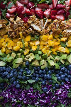 Rainbow Salad with Grilled Chicken and Raspberry Walnut Dressing #30MinuteMondays