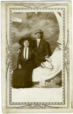 Anonymous Paper Moon Couple