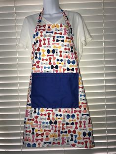 Bow tie apron / adult apron with one pocket / apron with bow ties
