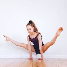 The art of living life is yoga Flexibility Dance, Gymnastics Flexibility, Gymnastics Poses, Gymnastics Photography, Gymnastics Girls, Ballet Photography, Running Workouts, Easy Workouts, Anna Mcnulty