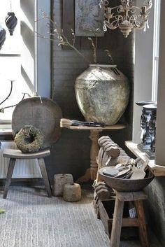 Wabi Sabi piękno tkwiące w nietrwałości. Wabi Sabi, Country Living Decor, Terracota, Grey Room, Interior Decorating, Interior Design, Interior Inspiration, Sweet Home, Shabby
