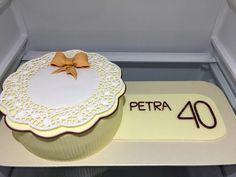 Birthday Sugar Lace Cake, dort s cukrovou krajkou