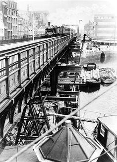 In 1934 werd het viaduct langs de Kolk versterkt in verband met de komst van nieuwe treinen, met name snelle diesels.